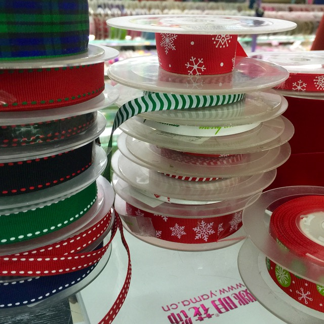 Wholesale - 50 Ribbons 50 Large Green Paper Ribbons